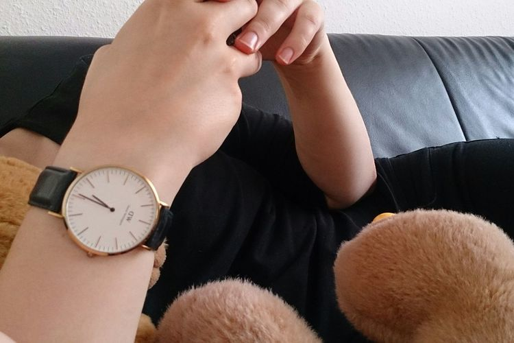 🕒 🐻 Teddy Tedddy Bear Black Leather Hand Hands EyeEm Selects Living Room Domestic Life Sofa Sitting Business Finance And Industry Home Interior High Angle View Close-up Clock Clock Hand Time Pocket Watch Time Zone Clockworks Hour Hand Instrument Of Time