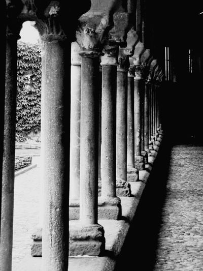 Pillars down the line Frame It! France Old World S Qi The Architect - 2016 EyeEm Awards Black And White Pillars Courtyard  Walkway Novice Photography