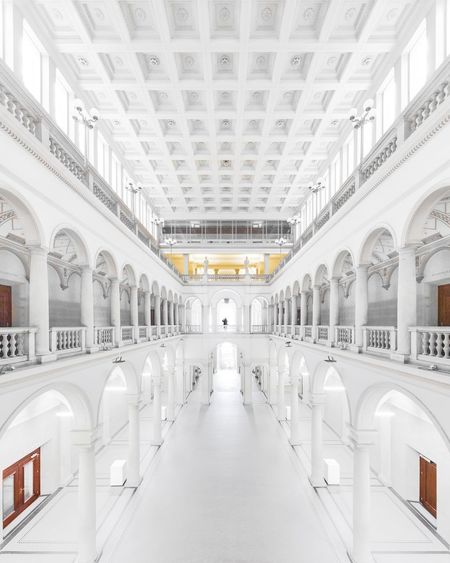 ⬜👤⬜︱white lies University Zürich Minimalist Architecture Minimal Symmetry EyeEm Best Shots EyeEmNewHere First Eyeem Photo EyeEm Selects Interior Design Minimalism Hall White Canonphotography Architecture_collection Interior Leading Lines Symmetrical The Week on EyeEm City Business Politics And Government Architectural Column Arch Architecture Built Structure Palace Arcade History Public Building
