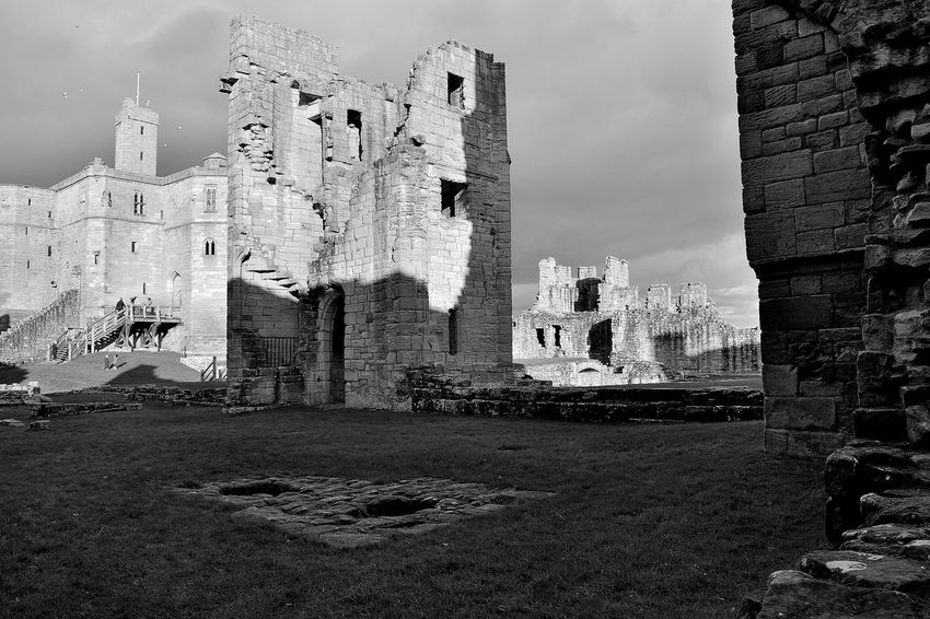 castle of warkworth,england Castle England 🌹 Historical Monuments England English Heritage History Old Ruin