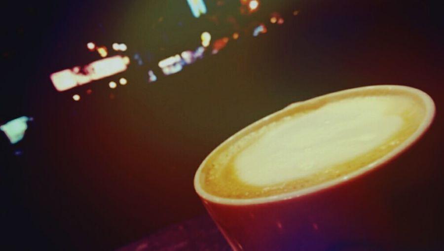 Enjoying Life Coffee And Cigarettes Drinking A Latte Relaxing 帶溫度的咖啡,一點酸,一點甜,一點苦,一點澀。
