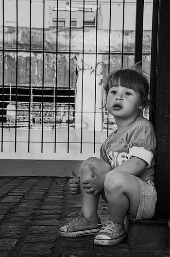 Triste Niña Triste Infancia Infancy Little Girl Blackandwhite Blackandwhite Photography
