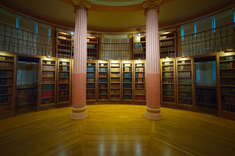 Old style traditional library in Paris. Architectural Column Architecture Bibliotheque Bookshelf Built Structure Central Central Composition Colonnes Day Education France France Photos France 🇫🇷 France🇫🇷 French Indoors  Library Livres No People University