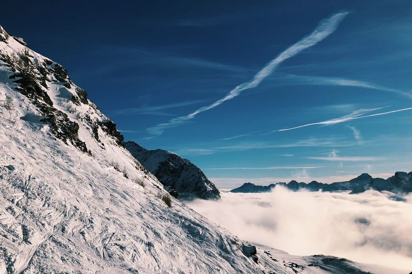 12.17 Skiing EyeEm Best Shots - Nature EyeEmBestPics EyeEm Nature Lover EyeEm Best Shots Eye4photography  Shades Of Winter Snow Cold Temperature Nature Beauty In Nature Mountain Winter Scenics Outdoors Blue Tranquility Shades Of Winter