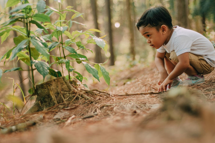 Nature lover Icon Kids Concepts Perspective Conceptual Sign Idea Creative Business Connection Symbol Advertisement Commercial Nature Touching Wallpaper Website EyeEm Best Shots Peaceful ASIA Scenery Moment Working Child Human Hand Males  Childhood Agriculture Social Issues Boys Plant EyeEmNewHere My Best Travel Photo