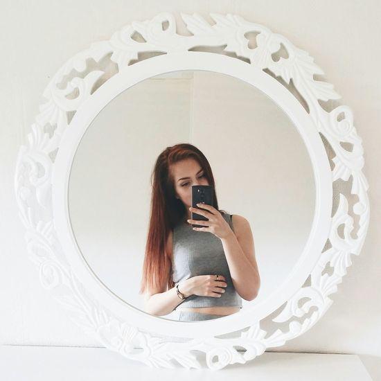 Girl Mirror Selfie Hair Mirrorselfie