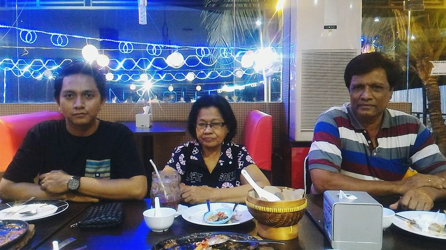 B˙day August 2nd,2016 Parents Love Dinner With Family Parentsfirstboy Lovelife Kupang Wonderful Time Of The Year