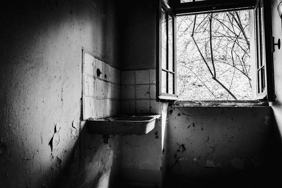 Abandoned Architecture Bad Condition Built Structure Close-up Damaged Day Desolate Destruction Dirty Domestic Room Home Interior House Indoors  No People Obsolete Run-down Weathered Window
