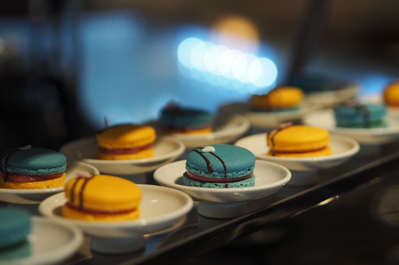 Close-up of fresh macaroons in plate