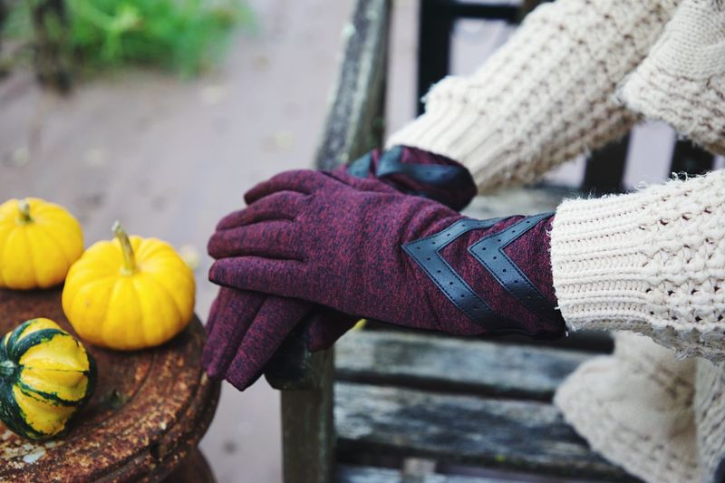 Human Hand Hand One Person Food Real People Human Body Part Glove Food And Drink Lifestyles Day Holding Freshness Healthy Eating Unrecognizable Person Vegetable Winter Focus On Foreground Women Warm Clothing Outdoors
