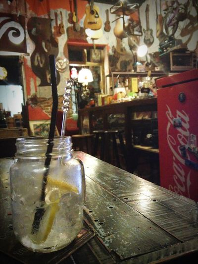 G+T in a cute bar that looks almost Schlawinchen-like :)