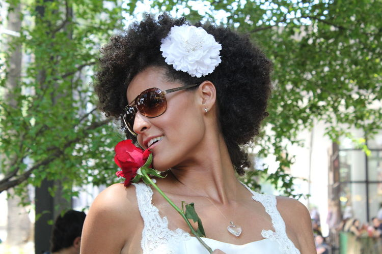Arts Culture And Entertainment Beautiful Woman One Woman Only Rosé Smiling Wedding Wedding Photography Weddings Around The World Women Who Inspire You Womens Portraiture What Who Where Exploring Style waiting game Art Is Everywhere