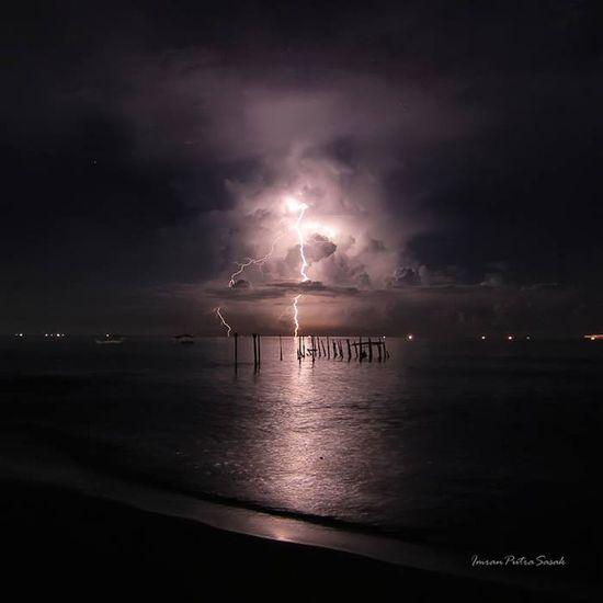 Thunderbolt Nightshot Landscape_lombok Lombok-Indonesia