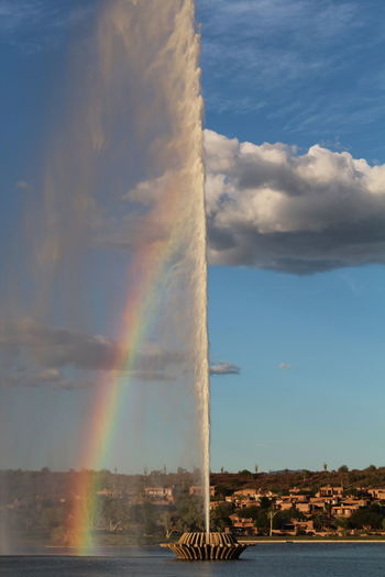 Emitting Fountain With Rainbow Fountainhills Foutain Nature Power In Nature Rainbow World Famous Fountain