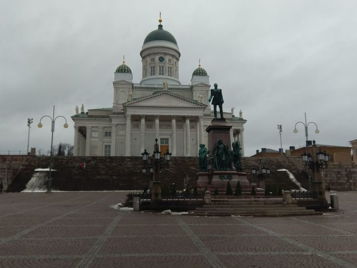 cathedral CityWalk Exploring Hilltop Subzero Finland Helsinki Temperature Streetphotography Tradition Green Dome Church Marble Grand History Dome Architecture Religion Built Structure Travel Destinations Façade Spirituality Outdoors Day
