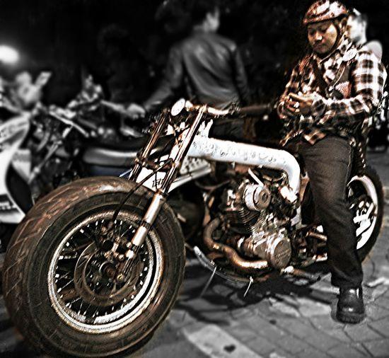 Kawasaki Classic Custom The Press - Treasure Blackandwhite