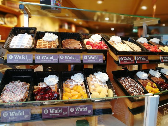 Sweet Food EyeEmNewHere Waffle Waffles And Berries Waffle House Waferchocolate For Sale Store Bakery Cafe Bakery Shop Food Market Wafel Close-up EyeEmNewHere