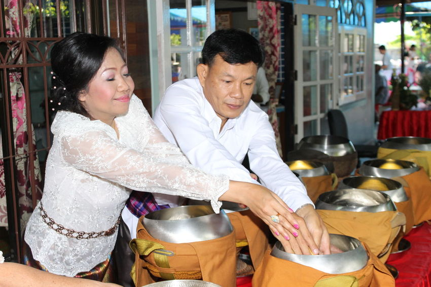 Food ,rice And Sweet Buddhist Monks Door Feeling Good Happiness Love ♥ Lovetogether Marry-thai Style Offer Food To Monk Wedding Wedding Ceremony-thai Style White Color You And Me Forever  You And Me ❤️