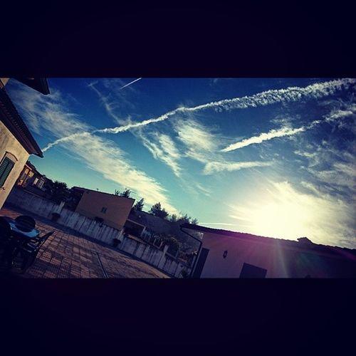 Hoje de manhã o céu estava mais ou menos assim =D só agora me apercebi que estava mesmo brutal xD Céu Cielo Sky Sunset Thebreakofday Daylight Nascerdodia Afterparty Xperiaindepth