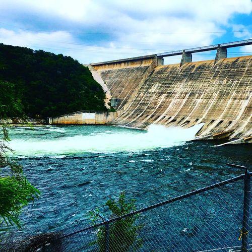 Mansfield Dam floodgate open