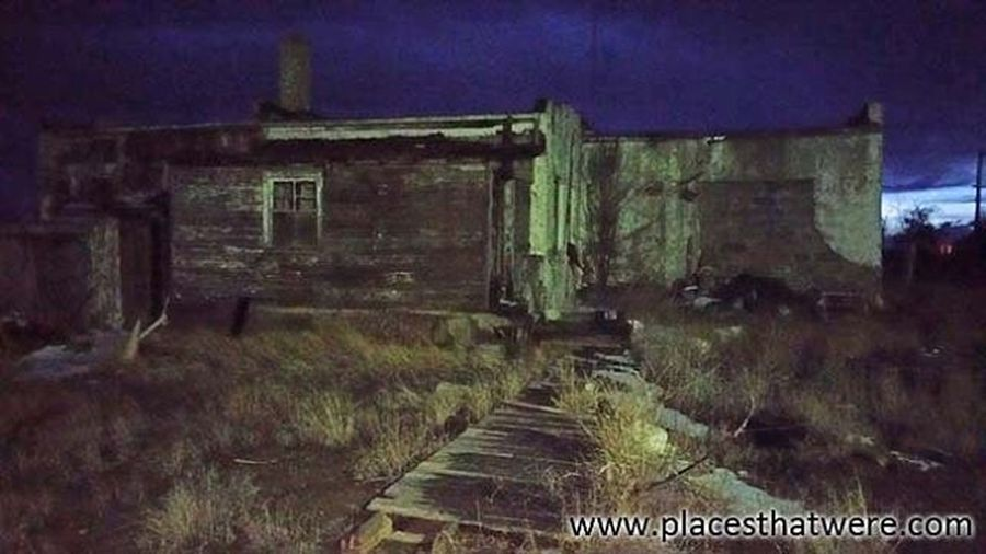 Abandoned home of a mechanic in Model, Colorado Colorado Abandoned Urbanexploration Urbex Abandonedplaces Ghosttown Coloradourbex Coloradoghosttowns Abandonedcolorado Abandonedamerica Modelcolorado Trinidad Trinidadcolorado Abandoned_junkies Kings_abandoned Ig_abandoned Total_abandoned Pocket_abandoned Explore_n_discover _mastersofdarkness_ Tv_urbex Ig_urbex All_is_abandoned