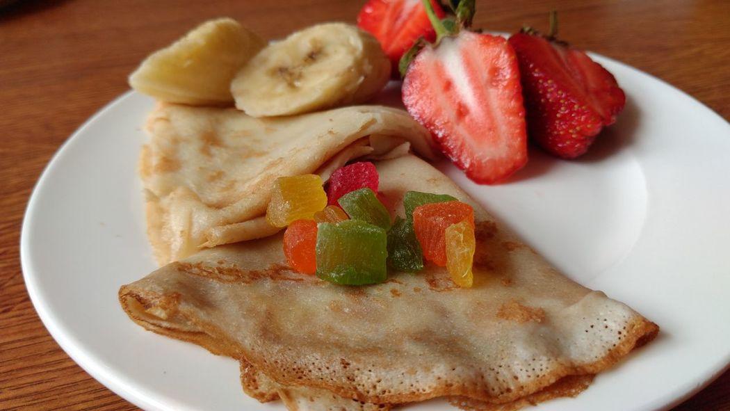 EyeEm Selects Close-up Plate Freshness Food Breakfast Pancake Crêpes Sweets Colour Yummi Strawberry Fruits Vinous Delicious Eye Food Hotel Breakfast Inspiring Ready-to-eat Appetizer Modern Kitchen Decorative Dolcevita  Banana