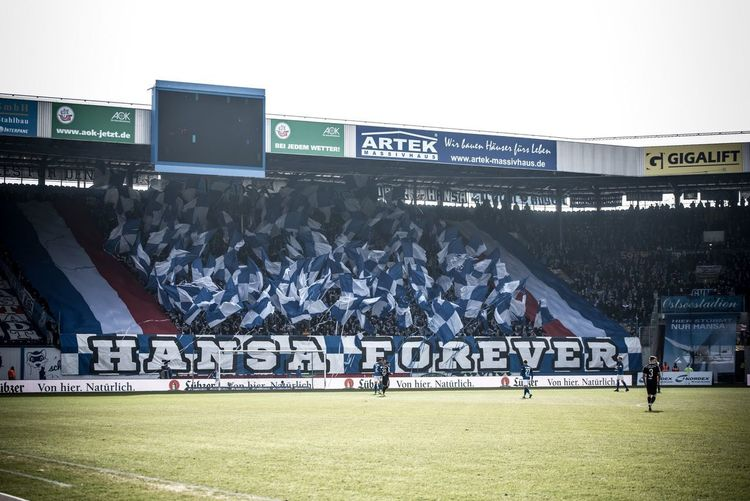 HANSA FOREVER Fahnen Flags FANSZENE Fans Ultras Knipses Fchfcc Hansa Fussball Ostseestadion 3liga Liga3 Hansarostock Sport Text Stadium Large Group Of People Soccer Grass Outdoors Soccer Field Fan - Enthusiast First Eyeem Photo EyeEmNewHere