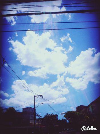 O céu é quase intocável (eu disse quase) pelos homens