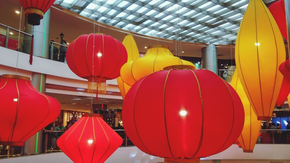 Balloon Red Helium Balloon Helium Multi Colored No People Architecture Outdoors Chinese New Year Chinese Lantern China In My Eyes Balloon Festival China Style Chinese Lantern Festival Lantern Photos Official EyeEm © Lights Chinatown China Beauty