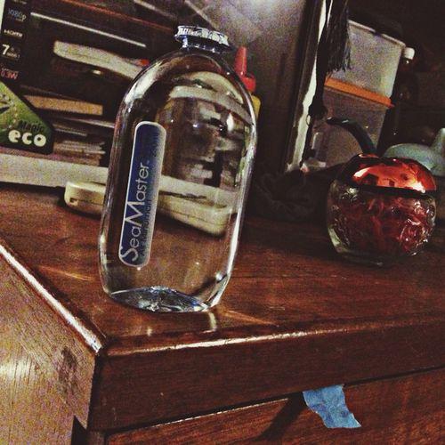 Botol mineral Water ni MacamComelJe MacamRareJe ... Huhu