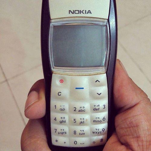 I AM 4G READY. 4g Nokia  Nokia1100 Nokia1100forever Oldphone Vintage Vintagestyle Oldelectronics Telecommunication Vintagetelecom Vintagetelecommunications Yesteryears Nokia4g