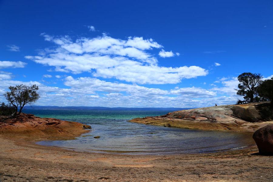 Honeymoon Bay, Freycinet, Tasmania Bay Of Water Beach Blue Cloud - Sky Coastline Honeymoon Bay Horizon Over Water Landscape Nature No People Outdoors Postcard Sand Scenics Sea Seascape Sky Summer Tropical Climate Vacations Water Wave EyeEmNewHere Neighborhood Map