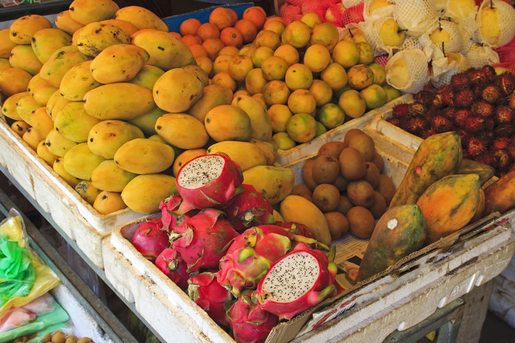 Abundance Box Choice Citrus Fruit Container Day Food Food And Drink For Sale Freshness Fruit Healthy Eating High Angle View Large Group Of Objects Market Market Stall No People Orange Retail  Retail Display Sale Variation Variety Wellbeing