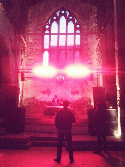 Party Old Church Ruinas Fiesta Vinilos Iglesia Gótica Gothic Church El Iluminado