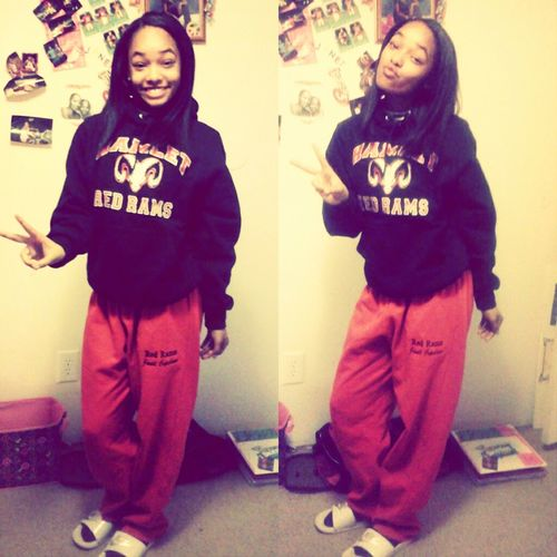 Yeaa I Rep That Red & Black (: