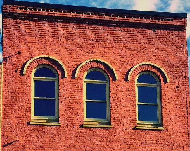 Architecture Building Exterior Built Structure Window Outdoors No People Day Low Angle View Red Art Is Everywhere EyeEmNewHere