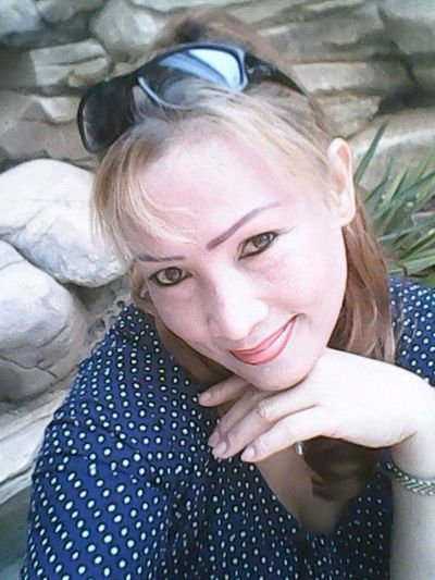 That's Me Hello World Model Im Born In Phillipine!!
