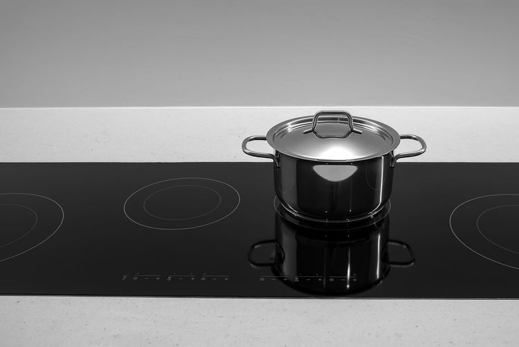 Alloy Appliance Burner - Stove Top Close-up Domestic Kitchen Domestic Room Food And Drink Home Household Equipment Indoors  Induction Induction Cooker Kitchen Kitchen Utensil Metal No People Stainless Steel  Steel Still Life Stove Table Wall - Building Feature