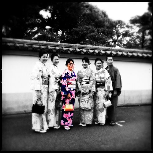Tokyo,Japan KimonoStyle Womam Photographer Fashion&love&beauty IPhoneography Sunny Day Pose Handbag  EyeEm Best Shots Traditional Outfit One Mensfashion Temple Blackandwhite Color Portrait Color Splash Edited