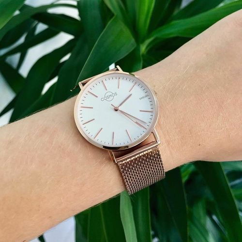 "Da Vinci once said: ""Simplicity is the ultimate sophistication"". The Cosmos Watches will be soon available to buy with worldwide free shipping! Time Human Body Part Minute Hand Wristwatch Human Hand Watch Clock Clock Face Accuracy Hour Hand Close-up People First Eyeem Photo"