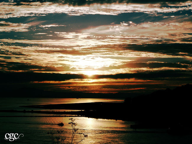 Sunset Dreaming Dream Vallejo Vivid Bayarea Bayareaphotography Beauty In Nature Cloud - Sky Color Day Idyllic Nature No People Outdoors Reflection Scenics Sea Silhouette Sky Sun Sunlight Sunset Tranquil Scene Tranquility Water Be. Ready. Perspectives On Nature