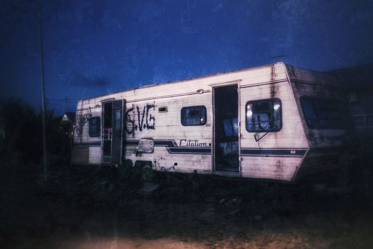 Abandoned Caravan EyeEm Best Edits EyeEm Best Shots EyeEm From My Point Of View IPhoneography Night View Nightphotography Night Urban Exploration Urban Legend Urban Grunge Style Grunge Abandoned Trailer Caravan EyeEm Selects Transportation Old-fashioned Abandoned No People Outdoors Night