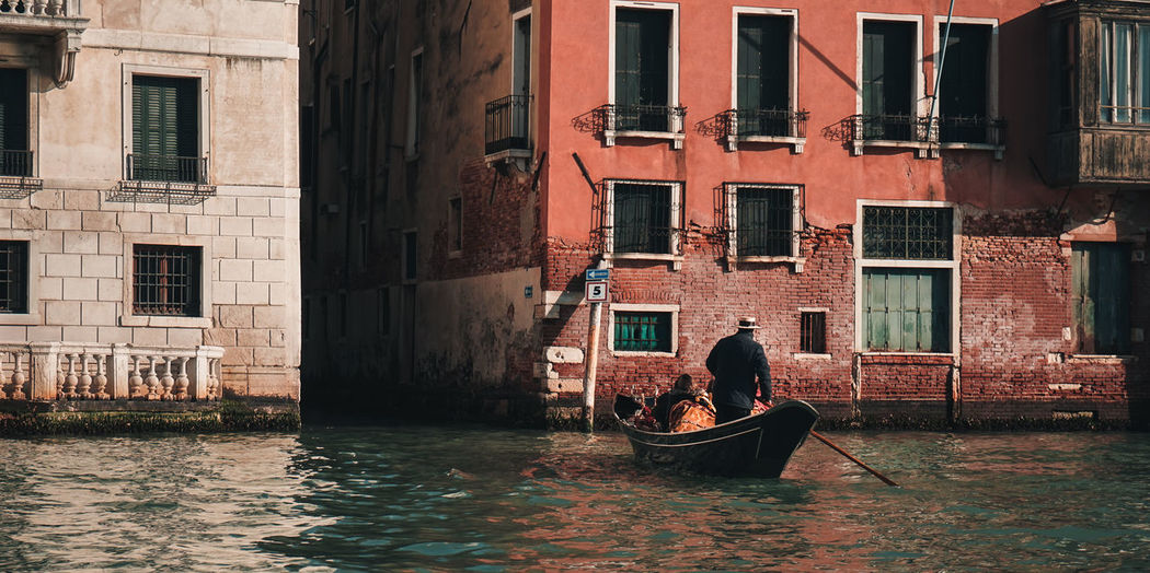 Gondola Architecture Building Building Exterior Built Structure Canal City Day Gondola - Traditional Boat Gondolier Italy Men Mode Of Transportation Nature Nautical Vessel Outdoors People Real People Transportation Venice Water Waterfront Window EyeEmNewHere