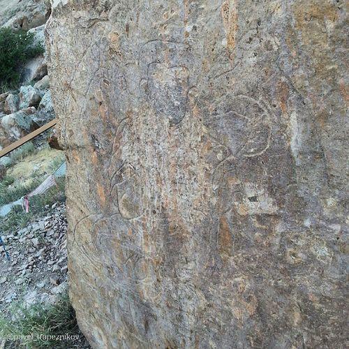 "20140803 , Казахстан , берег реки или . Урочище ""ТамгалыТас"". Петроглиф. Будда/ Kazakhstan, bank of river Ili. The tract ""TamgalyTas."" Petroglyph. Buddha."