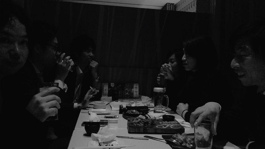 大切な友達 In Discussion Sake Dinner And Nice Friends All Architects My Friends Real People Table Togetherness Indoors  Sitting Men Friendship