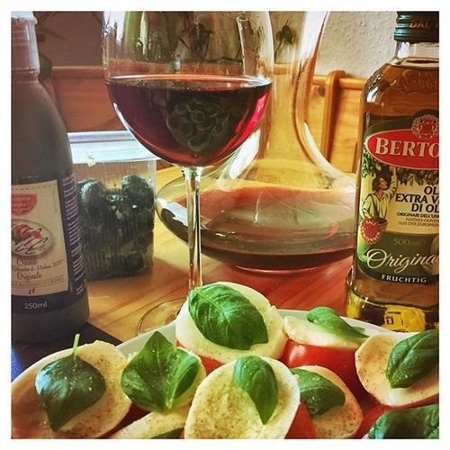 Viala Rosso Wine Olive Tomato Mozzarella Oil Balsamico Bertolli