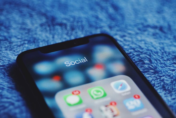 Social media apps... OLED Illuminated Internet Data Facebook Platform Social Media App Apple Social Touch Screen Touch IPhoneX Notch Data Technology Close-up Communication Indoors  Wireless Technology No People Selective Focus Blue Smart Phone Portable Information Device Mobile Phone Text Connection Screen Keypad