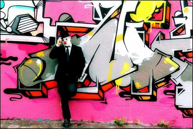 Graffiti Streetart Street Art Graffiti Art Color Portrait Graffitiart Grafiti Art Colorphotography Clown Clowncostume
