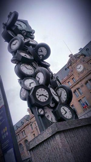 Streetphotography Sculpture Horloges Arman