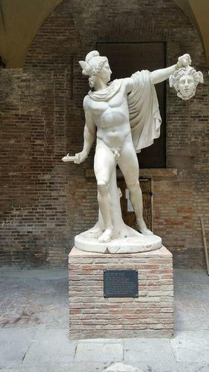 Statua Statue Perseoconlatestadimedusa Perseus Perseo Medusa Gorgone Modena Italy Italia Arte Art Sculpture Scultura Eye4photography  EyeEm